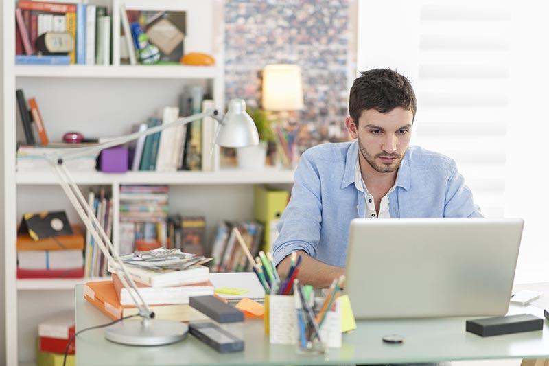 آموزش آنلاین برای کسب درآمد در خانه