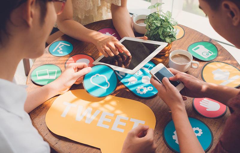 پلتفرمهای مختلف رسانههای اجتماعی