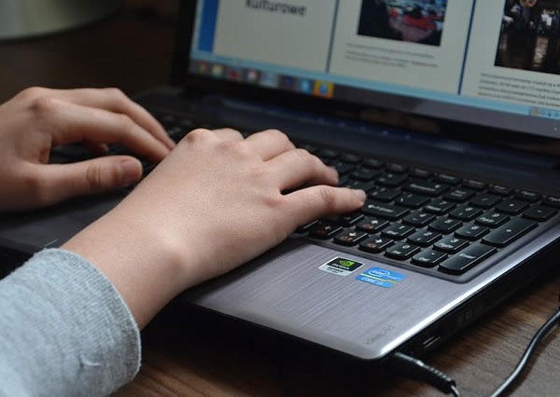 احتیاط در رفتار آنلاین