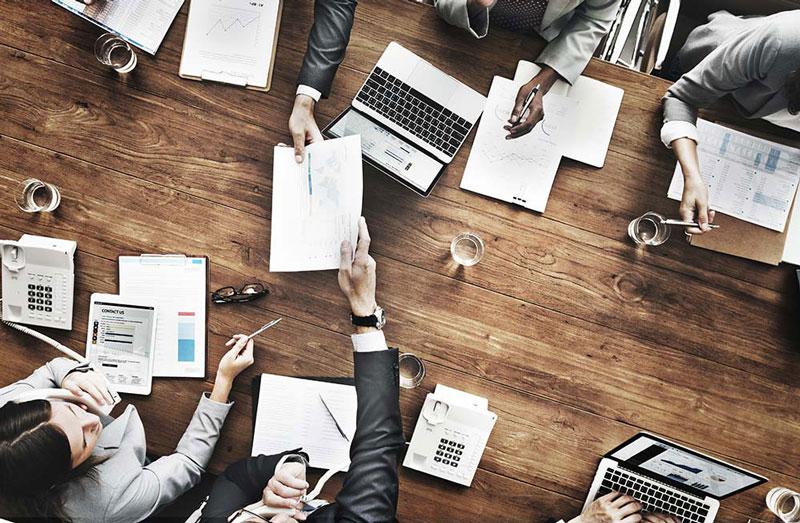 چه کسی و در چه زمانی باید طرح کسبوکار شما را ببیند؟