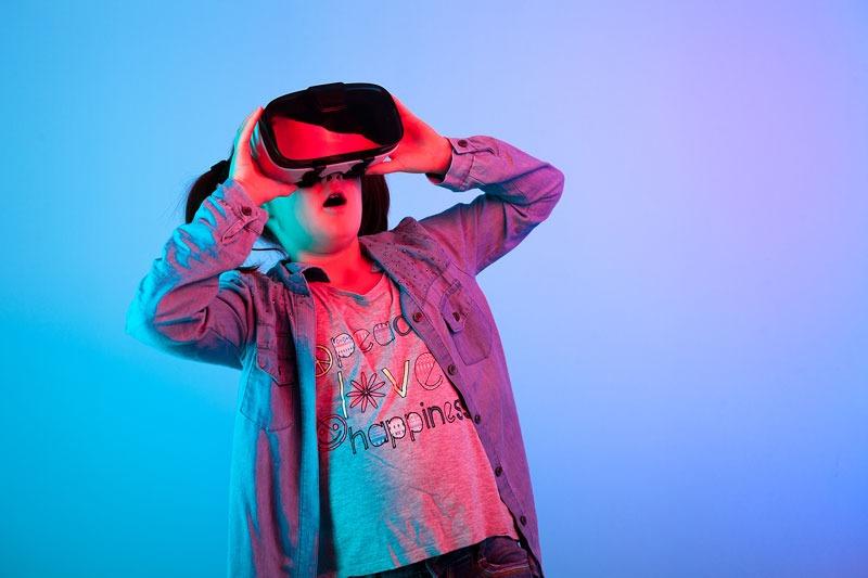 استفاده از واقعیت مجازی در جوانان