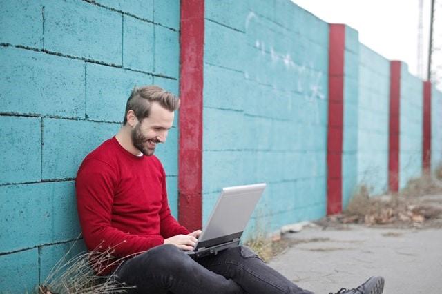 با مشتریان خودبهصورت آنلایندر تعامل باشید.