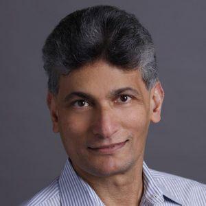 Raghu Murthi معاون مدیرعامل در بخش خدمات میزبانی com